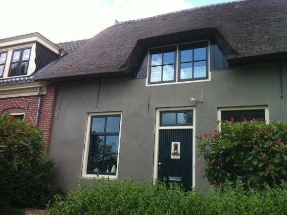 Stucwerk voorgevel en zijkanten woning